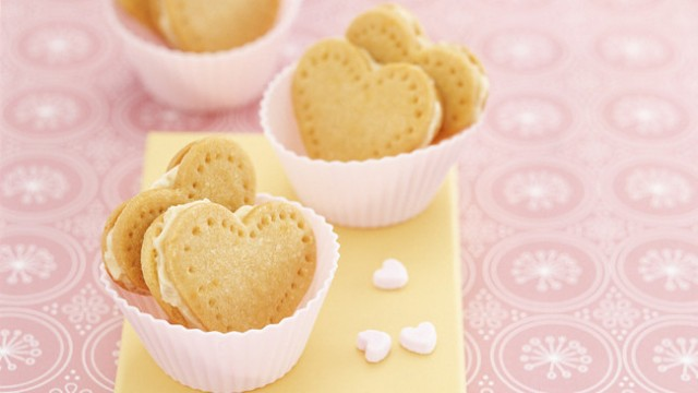 Ginger & vanilla cream hearts
